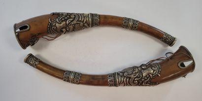 Deux trompettes (dungchen), Tibet, XXe siècle...
