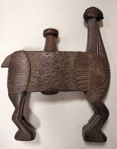 Baratte en bois sculpté, Népal, XXe siècle...