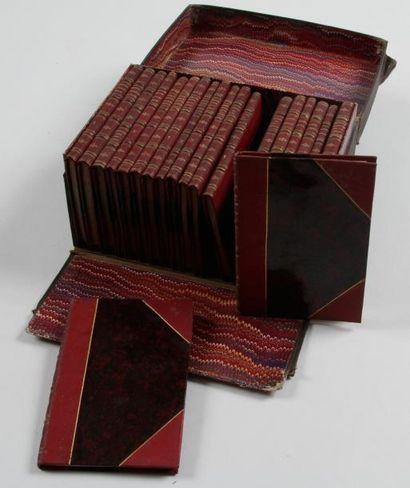 Coffret de 20 petits manuels destinés à un...