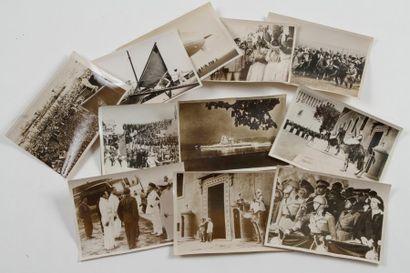Ensemble de 27 tirages photographiques de...