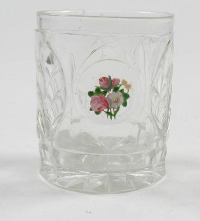 Gobelet en cristal taillé dit «d'amitié»...