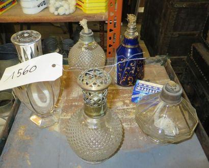 Lot de brûle-parfums dont Lampe Berger. (manques...