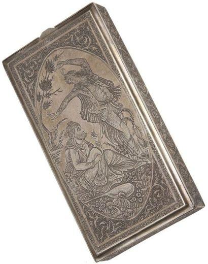 Boîte à cigarettes en argent, Iran, XXe siècle....