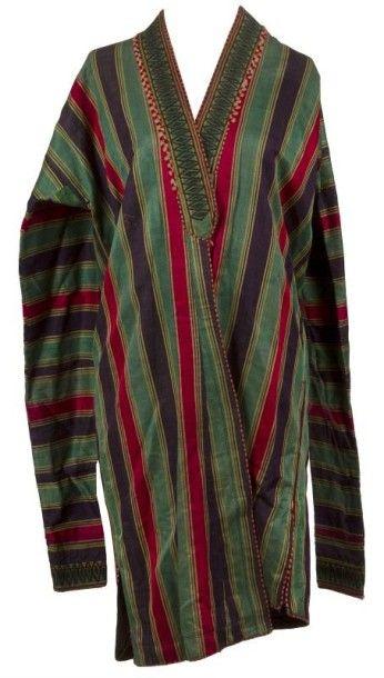 Quatre manteaux jelak, Asie centrale, début XXe siècle. En soie polychrome, le premier...