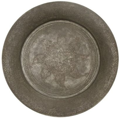 Grand plateau en cuivre étamé, Proche Orient,...