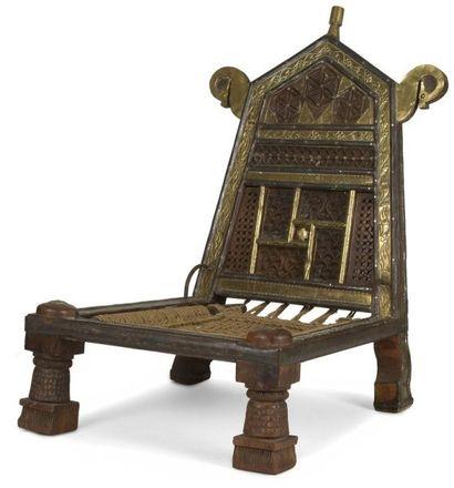 Chaise basse, Afghanistan, XXe siècle En...