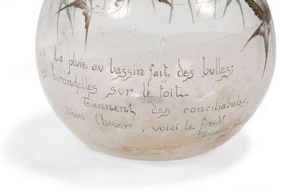 Émile GALLÉ (1846-1904) La pluie au bassin fait des bulles Les hirondelles sur le...