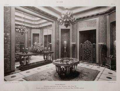 DAUM Nancy Suite de trois tulipes en cornet. Épreuves en verre présentant de riches...