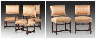 Suite de cinq sièges composée de trois chaises...