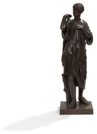 Figure en bronze patiné d'après l'Antique...
