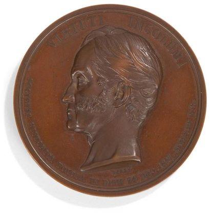 Médaille en bronze patiné représentant le...