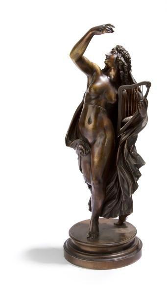 La Poésie légère. Sculpture en bronze à patine...