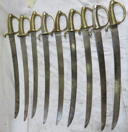 Lot de 9 sabres briquets d'infanterie XIXe,...