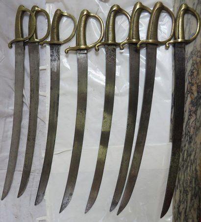 Lot de 8 sabres briquets d'infanterie XIXe,...