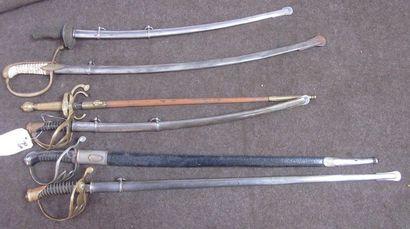 Lot de 6 sabres d'enfant de type XIXe, modèles...