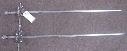 Lot de 2 forte-épées pitones, monture en...