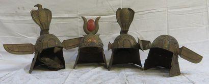 Lot de 4 casques de type Égyptien
