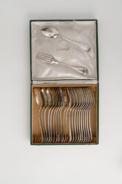 Douze couverts en argent modèle filet, spatule...