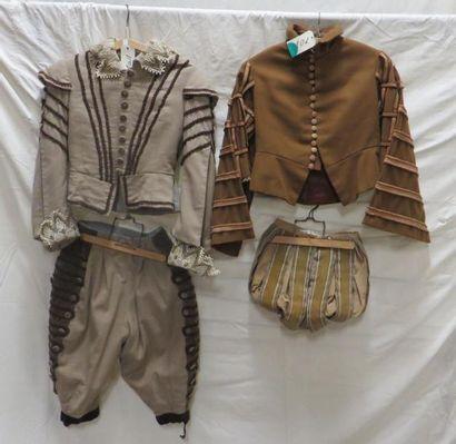 Deux ensembles pourpoints et hauts-de-chausse pour enfant, style Renaissance. Matières:...