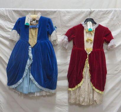 Deux robes pour enfant, style XVIIIe. Matières:...