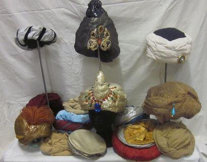 Seize turbans pour homme, style Oriental....
