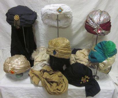 Treize turbans pour homme, style Oriental....