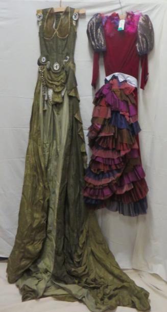 Deux robes d'écuyères pour le cirque. Matières:...