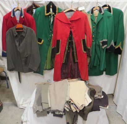 Seize pièces dont vestes de vènerie vestes de sport ou culottes jodhpur pour homme,...