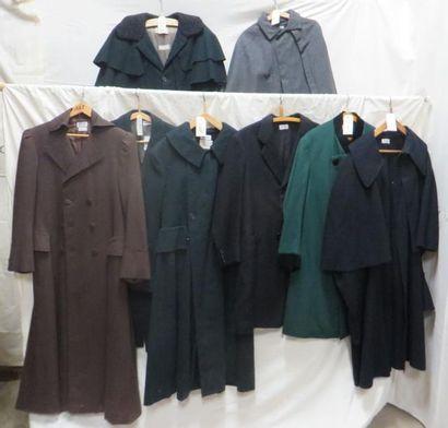 Huit manteaux pour homme, style fin XIXe...