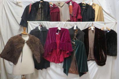 Quatorze capes ou visites pour femme, style...