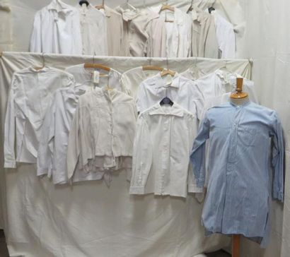 Dix-neuf chemises pour homme, style fin XIXe-XXe....