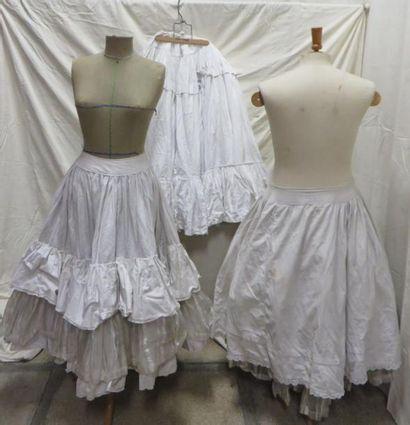 Trois jupons de crin pour femme, style XVIIIe...