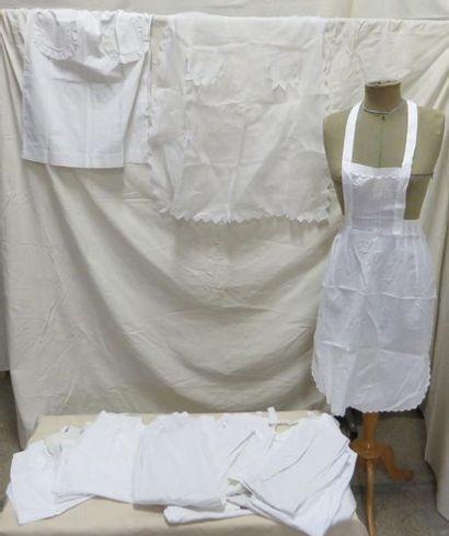 Quatorze tabliers en coton pour femme, style...