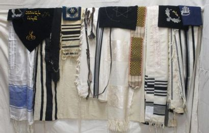 Cinq taliths ou châles de prières judaïq...