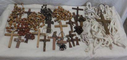 Lot de divers accessoires pour moines dont...