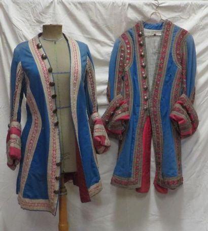 Deux vestes bleues et rose pour laquais,...