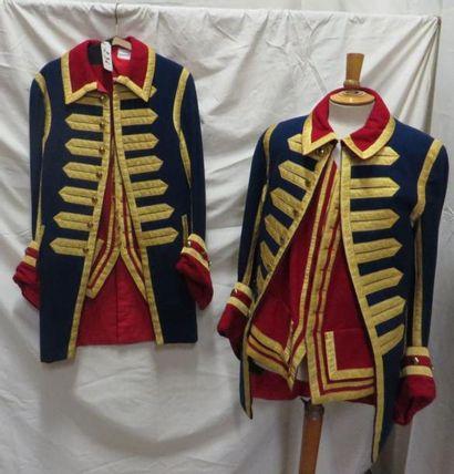 Deux vestes bleues et rouge à galon doré...
