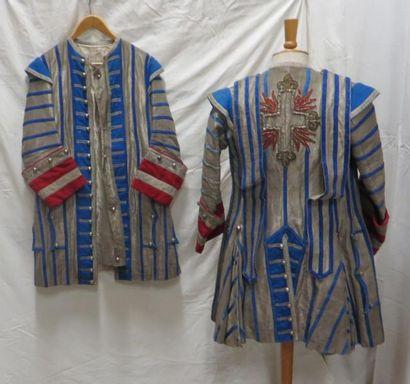 Deux vestes de laquais, style XVIIIe, grises...
