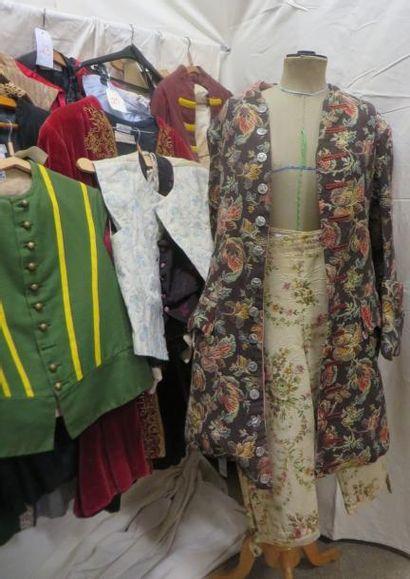Environ vingt-cinq pièces dont gilets, justaucorps, culottes pour homme, style XVIIIe....