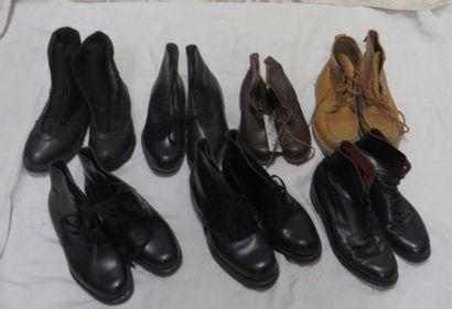 Sept paires de chaussures/boots pour homme,...
