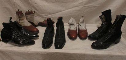 Lot de cinq paires de bottines pour homme,...