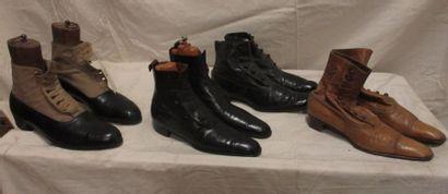 Lot de quatre paires de bottines pour homme,...