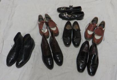 Sept paires de souliers divers pour homme...