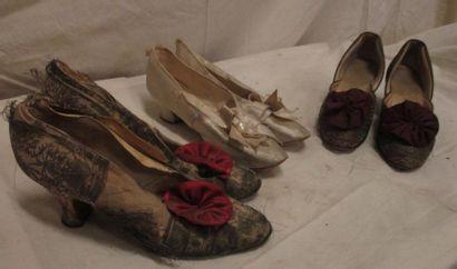 Trois paires de souliers en soie pour femme,...