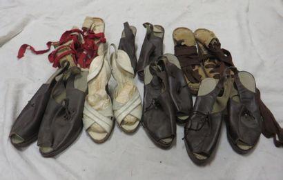 Sept paires de souliers pour femme, style...
