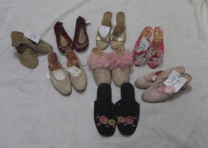 Huit paires de pantoufles pour femme, style...