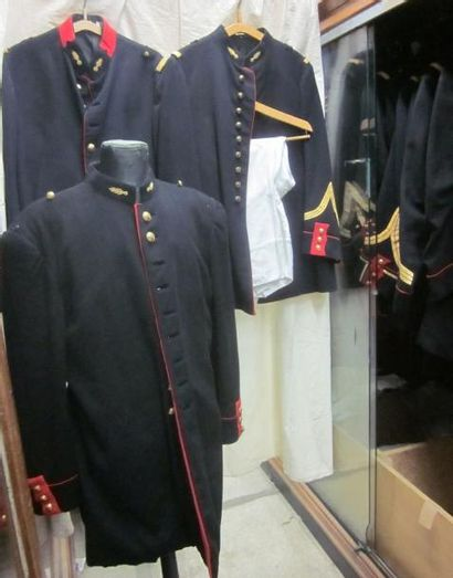 Fort lot de pièces comprenant des vestes...