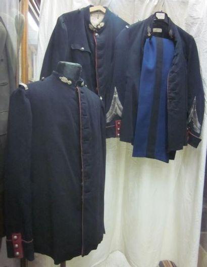 Une quinzaine de vestes pour gendarme. Matières:...