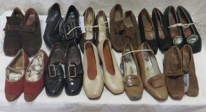 Onze paires de souliers pour femme, style...