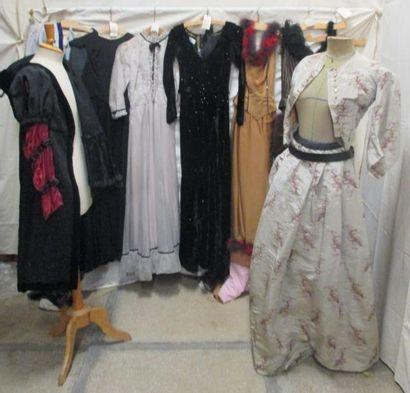 Onze pièces dont robes, ensembles ou jupes...